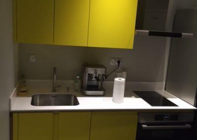 Cuisine stratifié jaune et quartz