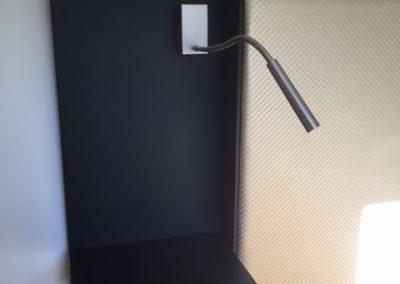 Tête de lit noir et tissu art déco