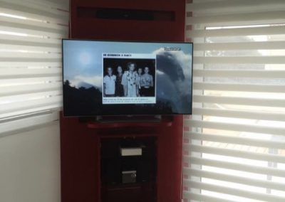 Aménagement TV sur mesure entre murs